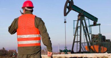 El petróleo vuelve a subir impulsado por especuladores